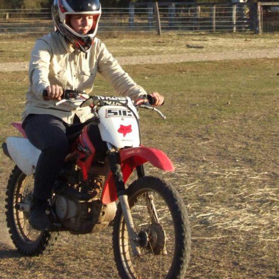 Manejar moto enduro