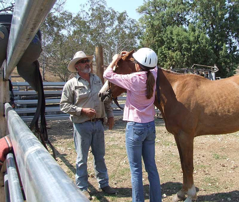 montar caballos